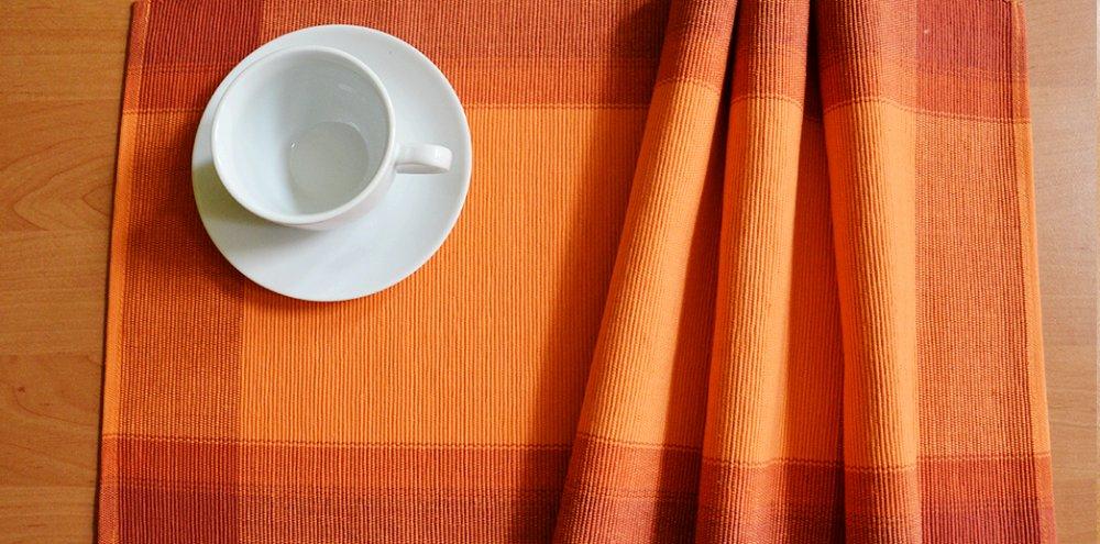Prostírání oranžové